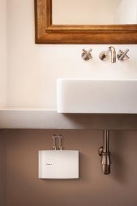 elektronische durchlauferhitzer moderne warmwasser. Black Bedroom Furniture Sets. Home Design Ideas